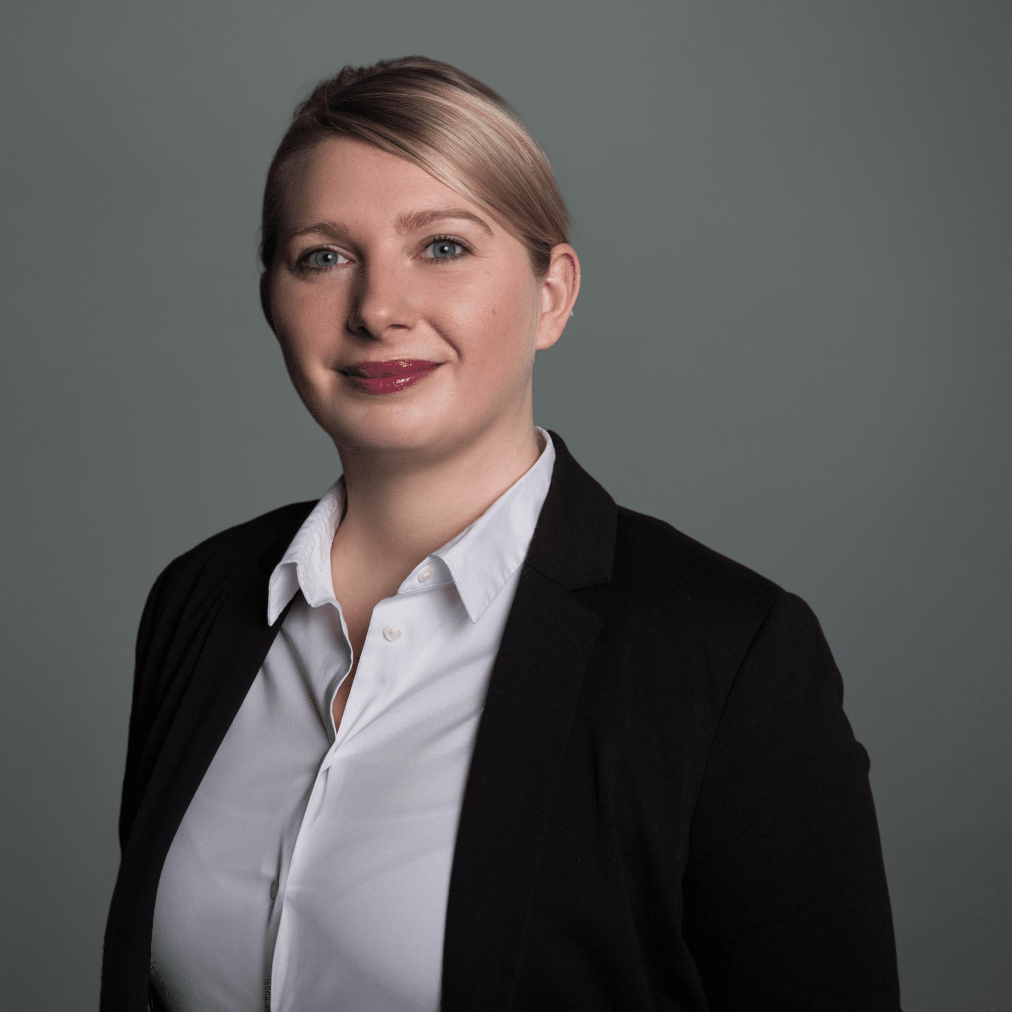 Jessica Smolny Service Managerin